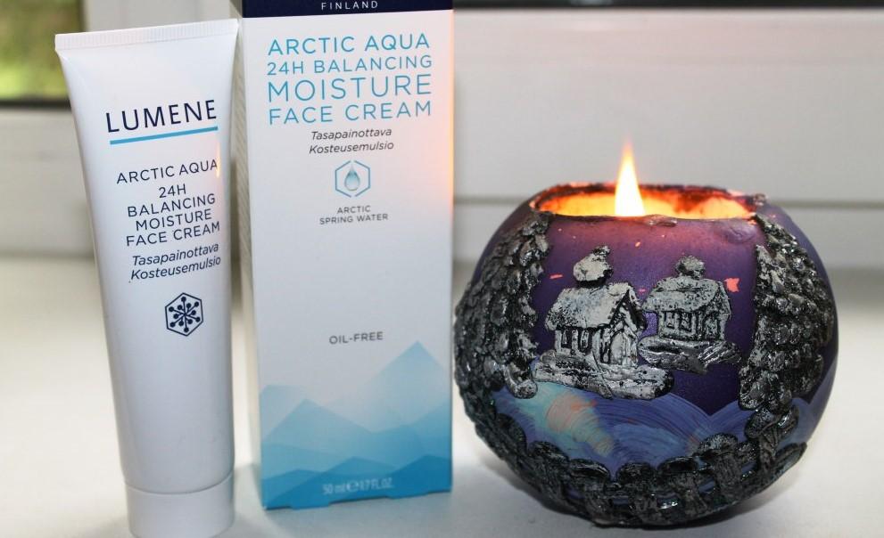 Увлажняющий крем с тонизирующим эффектом SPF 15 Lumene Arctic Aqua