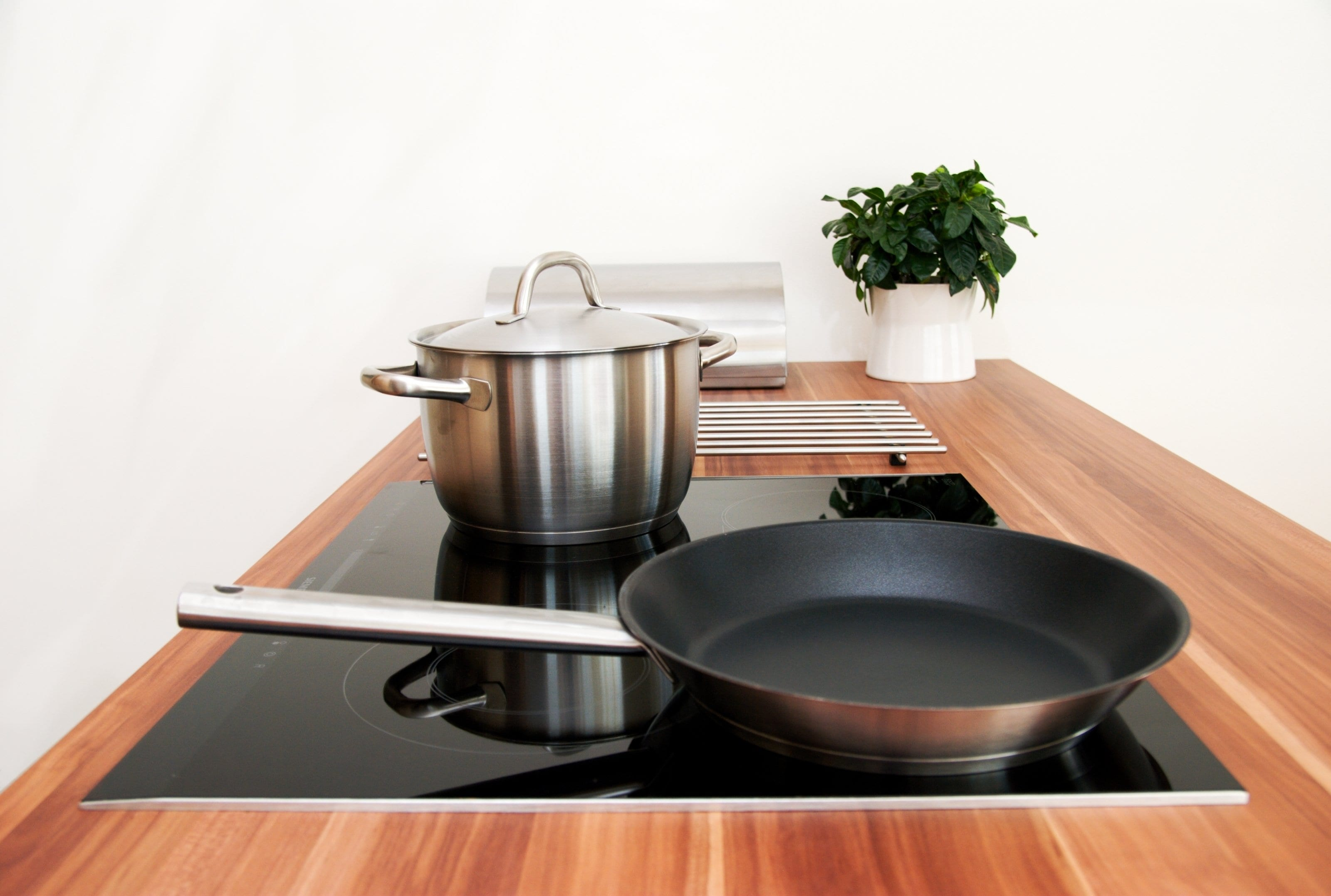 Electrolux EHH 6340 FOK индукционная плита.jpg