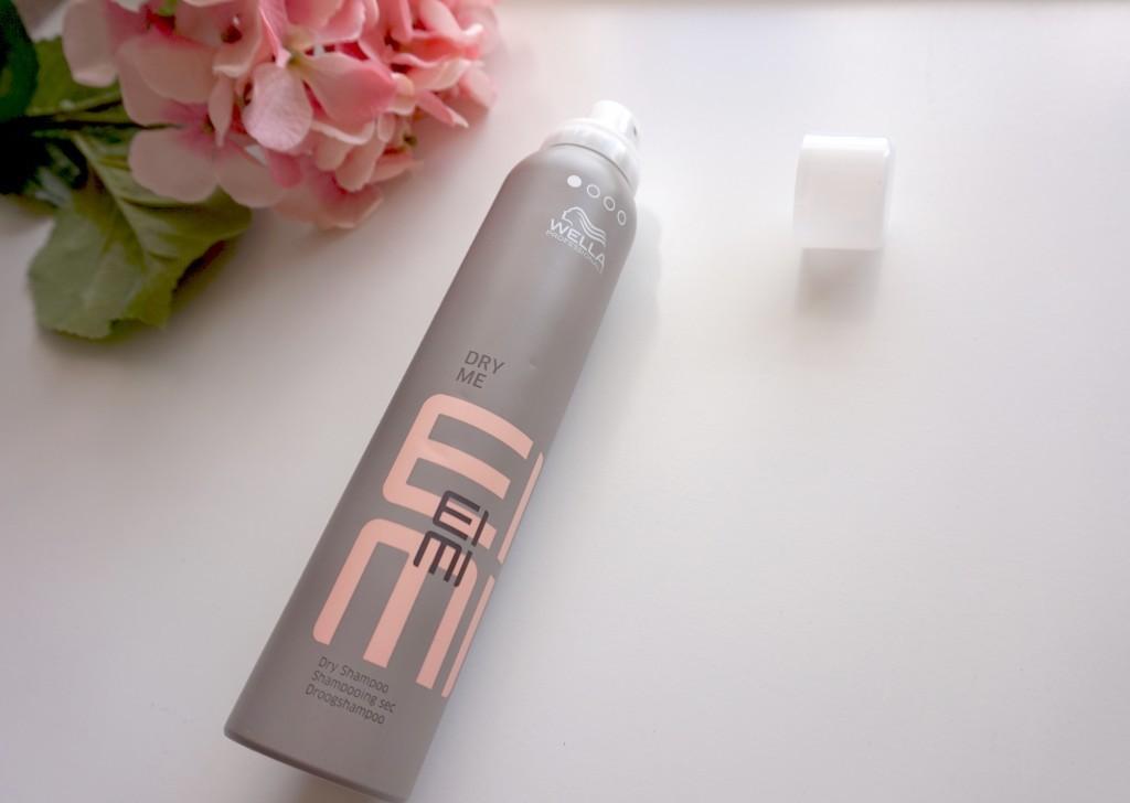 Wella Professionals — сухой шампунь Eimi Dry Me с фиксацией