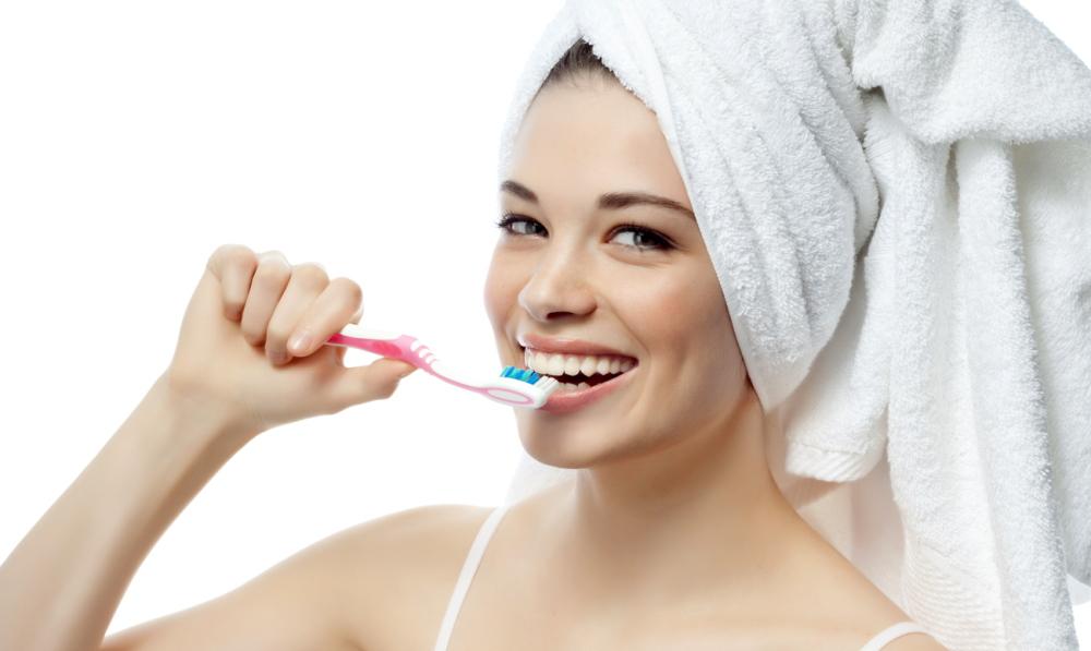 ТОП-10 лучших отбеливающих зубных паст